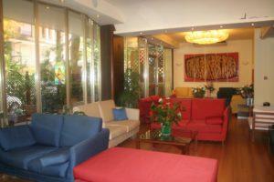 Hall, ingresso, reception, divanetti