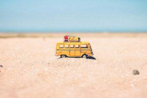 spiaggia riccione giochi macchinina