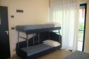 4 Personen Zimmer, Doppelbett und Etagenbett